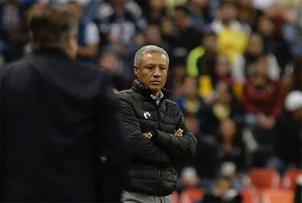 Roberto Hernández seguirá como técnico de Monarcas