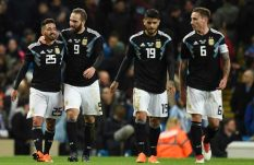 Argentina, sin Lio Messi, derrotó a Italia en Manchester