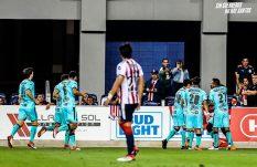 Chivas cae ante Santos en partido amistoso