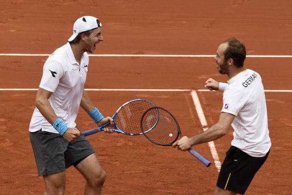 Alemania aventaja a España tras ganar en dobles de la Davis