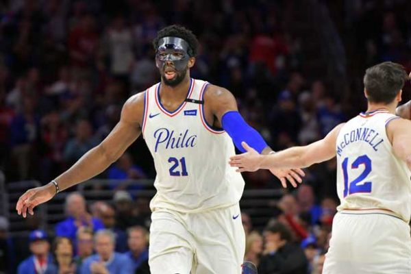 Warriors y Sixers pasan a semifinales