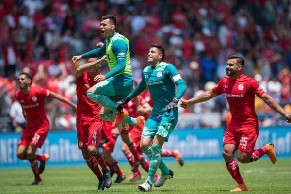 Rodrigo Salinas corona con gol gran jugada en Toluca vs Veracruz