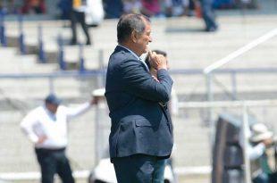 Enrique Meza advierte la peligrosidad de Oribe Peralta