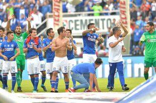 Jugadores despiden con nostalgia al Estadio Azul