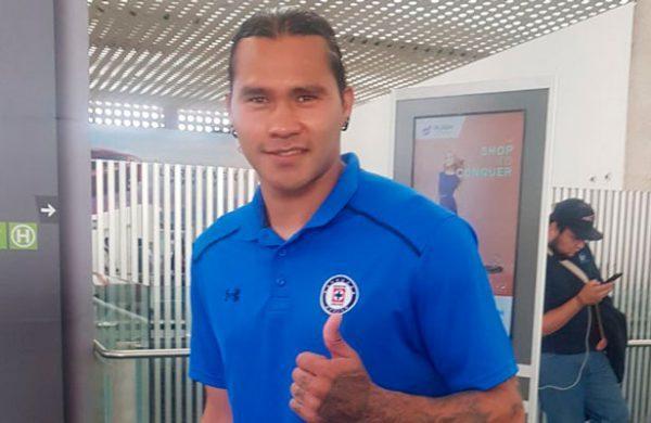 Carlos Peña, primera baja de Cruz Azul