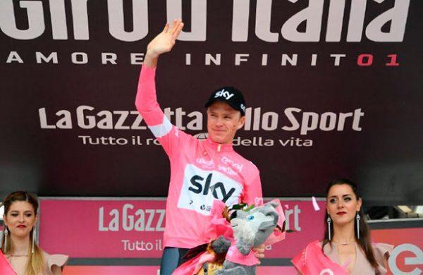 Richard Carapaz, segundo en la etapa 19 del Giro de Italia