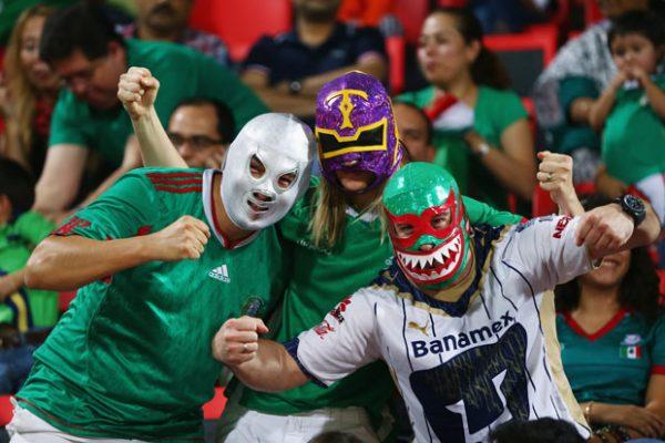 Resultado de imagen para aficionados mascaras mexico