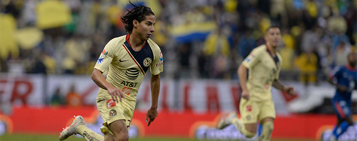 Diego Lainez does not shrink under the pressure