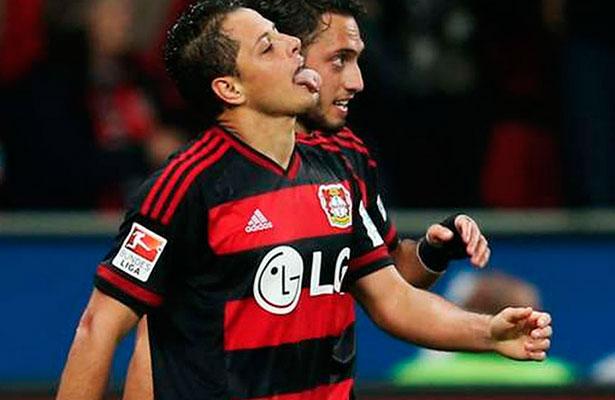 Javier Hernández y Bayer Leverkusen estrenarán el próximo torneo su nueva  indumentaria 7a9583fcf75d2