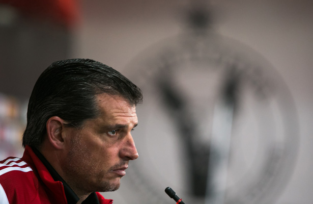 Palou aclara, Yasser Corona no se retirará del futbol
