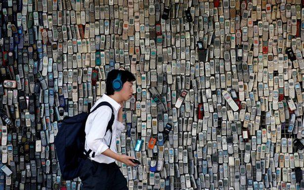 Dispositivos móviles, la contradictoria lucha por el planeta