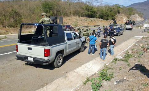 Balacera en carretera siglo XXI de Michoacán