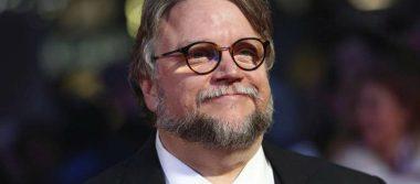 ¡Palomazo! Guillermo del Toro canta El Rey en festival en Francia