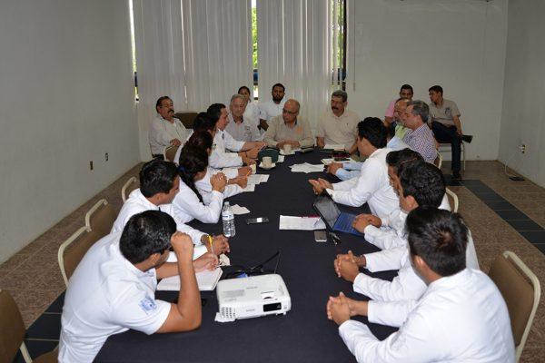 Atiende el rector de la Unach las peticiones de la comunidad estudiantil de Medicina Humana