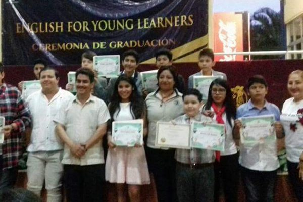 "Egresa segunda generación ""English For Young Learners"""