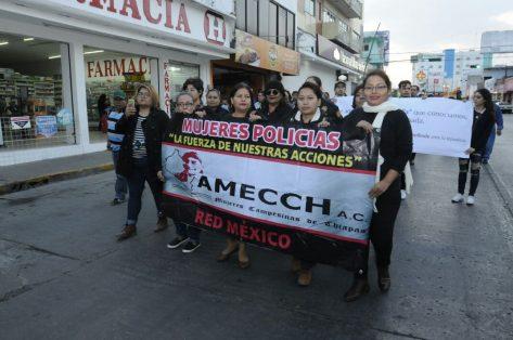 Marchan contra feminicidios en Tuxtla