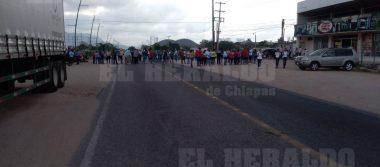 Maestros inician bloqueo carretero en Cintalapa