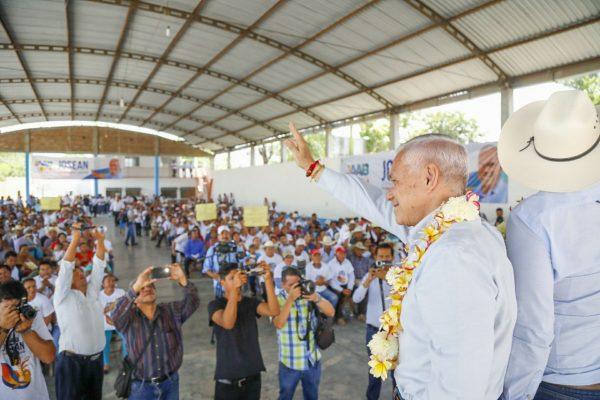 Promete Aguilar Bodegas impulsar a los productores agrícolas y ganaderos