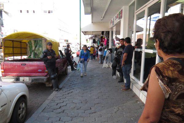 Mantiene ayuntamiento de Tuxtla, orden en ambulantaje