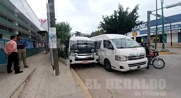 Colectivazo entre unidades de rutas foráneas [VIDEO]