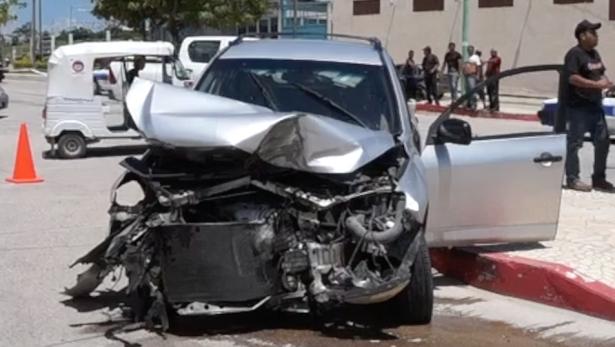 Tres heridos en fuerte accidente