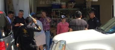 Sujetos armados asaltan a damas en Los Laureles [VIDEO]