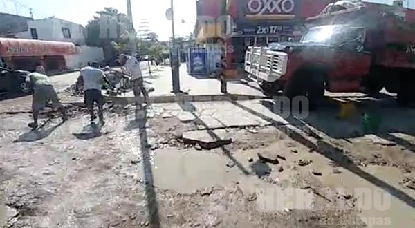 Bulevard Paso Limón se encuentra colapsado tras lluvias [VIDEO]