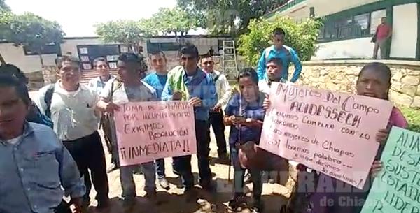 Toman instalaciones de SAGARPA en #TuxtlaGutiérrez, demandan apoyos para el campo [VIDEO]