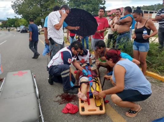 Dama grave al ser arrollada por automovilista