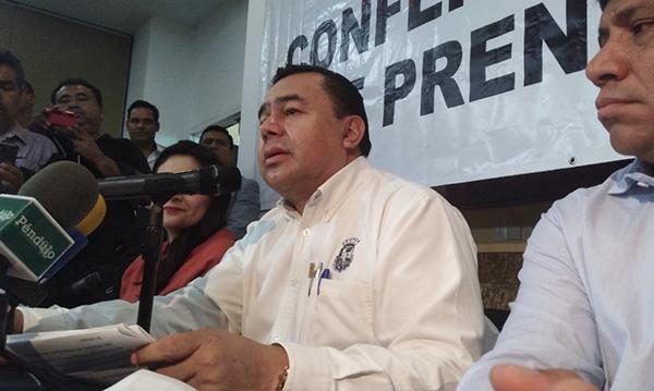 Huelga de la Unicach podría dejar trabajadores cesados, advierte rector