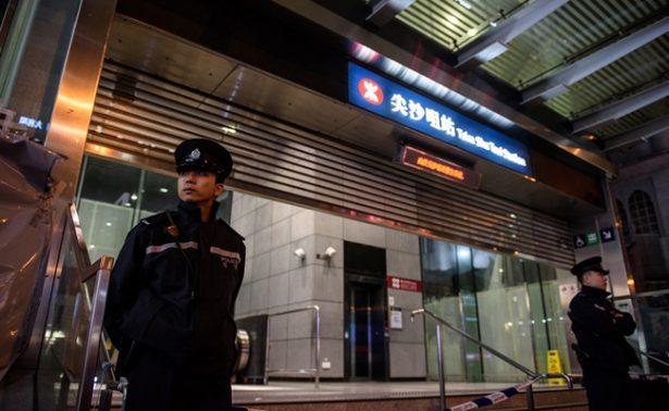 Al menos 15 heridos en ataque con bomba molotov en metro de Hong Kong