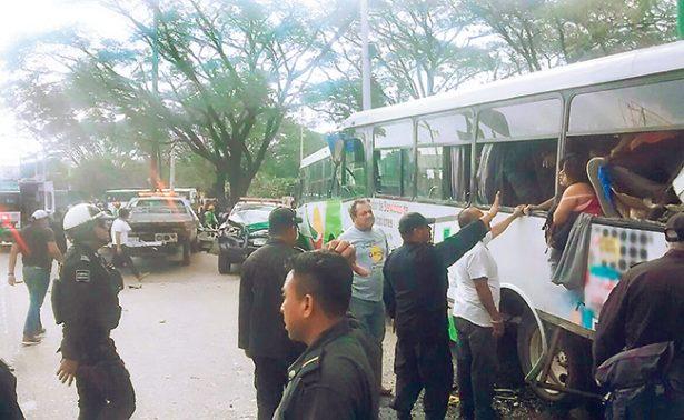 Accidente en Chiapas deja dos muertos y 30 lesionados