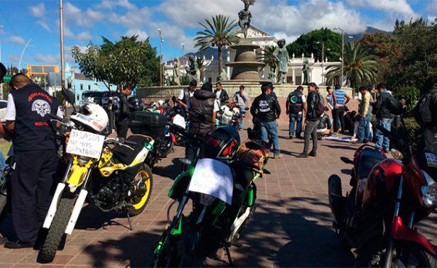Protestan motociclistas por gasolinazo en Oaxaca