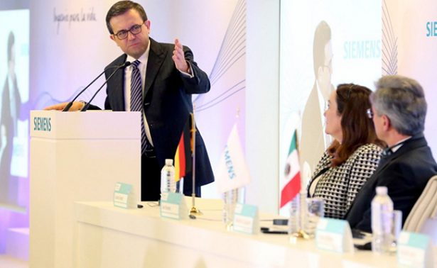 Guajardo descarta aplicación de impuesto a exportaciones mexicanas