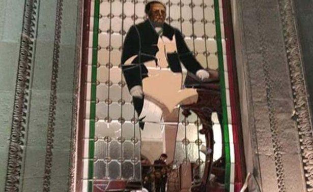Analizan restauración de vitrales de Nuevo León
