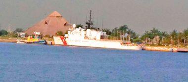 Atraca barco de la Guardia Costera de EU en Puerto Chiapas