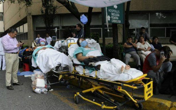 Peña Nieto ordena evacuar hospitales con daños y trasladar a pacientes