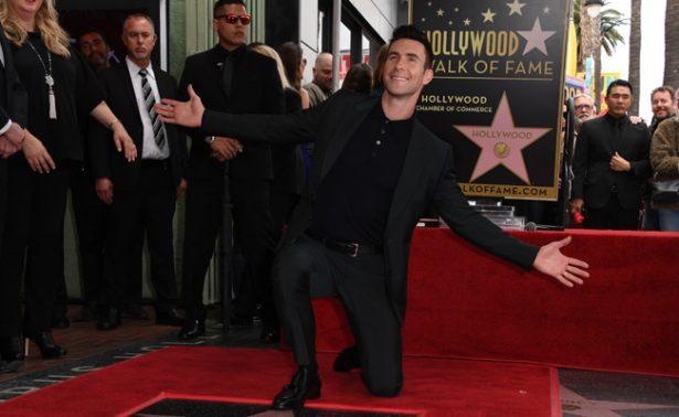 Adam Levine recibe su estrella en el Paseo de la Fama