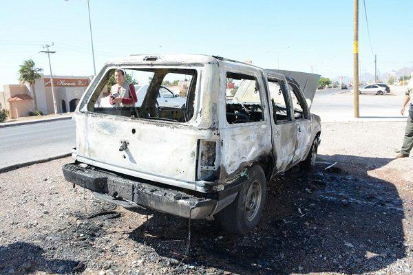 Se incendia camioneta que acababa de comprar