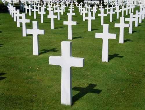 Contemplan la construcción de dos cementerios privados