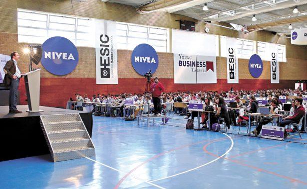 Destacan 43 jóvenes chihuahuenses en concurso de negocios