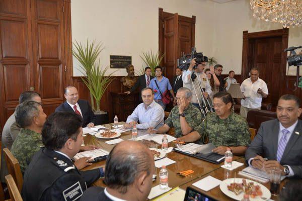 Reunión de seguridad en Palacio de Gobierno; Mes a mes disminuyen delitos