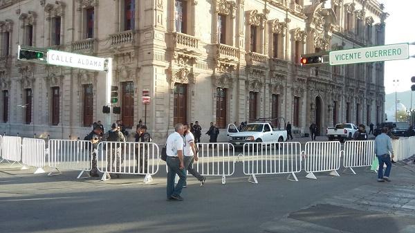Sigue resguardo de Palacio de Gobierno tras disturbios