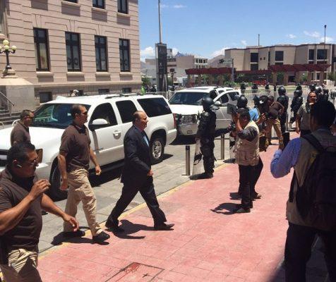 Regresa Duarte a Palacio de Gobierno entre equipo de seguridad