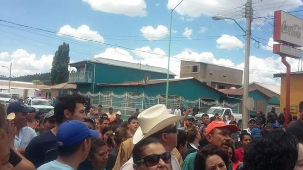 Corral pretende gobernar con violencia: Guillermo Dowell