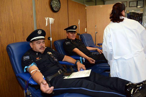 Sitian decenas de agentes federales el Hospital Morelos: donan sangre