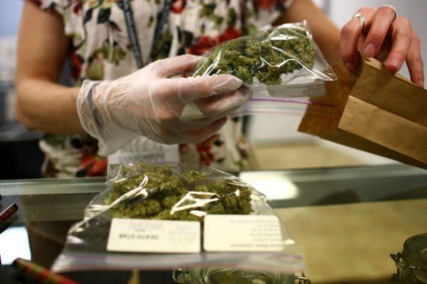 Aprueban en lo general Uso medicinal de mariguana