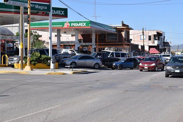 Siguen compras de pánico de gasolina, ignoran consejos de Pemex
