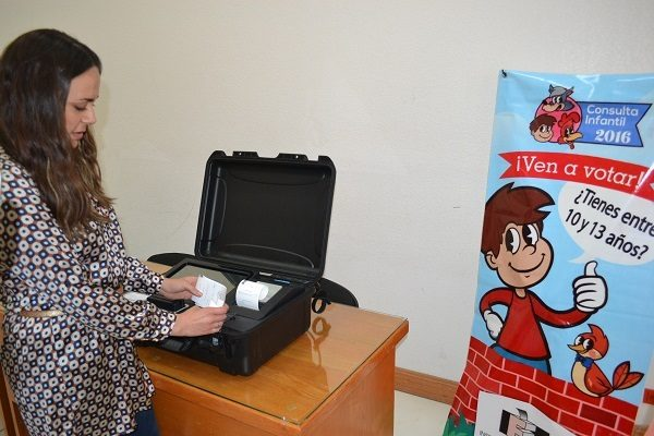 Niños y Niñas participan en la Consulta Infantil Electoral 2016