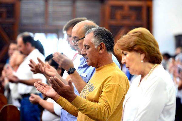 Culminan 12 horas de oración por la familia con misa en Catedral